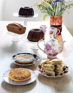Königliche Tafelrunde... Muffin, Breakfast, Romance, Food, Morning Coffee, Romance Film, Romances, Essen, Muffins