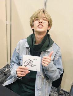 𝚢𝚘𝚞𝚝𝚑𝚔𝚢𝚑🕊 unlock tour in japan fansign jae Jae Day6, K Pop, Park Jae Hyung, Bad Songs, Kim Wonpil, Memes, Young K, Korean Bands, Important People