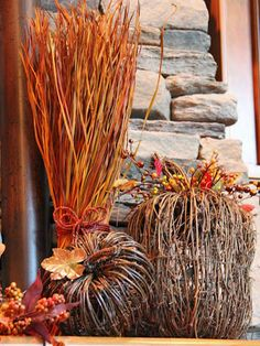 Gorgeous Autumn Display http://www.hgtv.com/decorating-basics/18-ways-to-add-harvest-decor-to-your-home/pictures/page-17.html?soc=pinterest