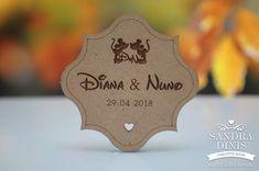 Convites e lembranças de casamento originais Disney, Organized Desk, Moldings, Weddings, Craft, Disney Art