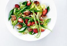 Sund aftensmad på max 30 minutter   Iform.dk Mozzarella, Salad Recipes, Healthy Recipes, Frisk, Kung Pao Chicken, Caprese Salad, Food For Thought, Green Beans, Potato Salad