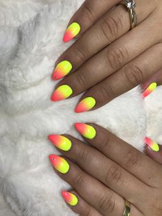 Nails, Painting, Finger Nails, Ongles, Painting Art, Nail, Paintings, Paint, Draw