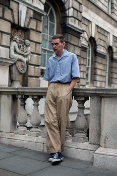 50 New Ideas Fashion Street London The Sartorialist The Sartorialist, Look Fashion, Mens Fashion, Fashion Outfits, Fashion Trends, Ss15 Fashion, Fashion Styles, Fashion Tips, Pantalon Large