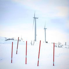 This photo of snowy wind turbines was captured in the far North Norwegian village of Bjørnfjell Narvik. Taken by Doran Talmi was submitted to IRENAs 2016 photo competition and was the featured December photo in IRENAs 2017 calendar.   #iRENA #Renewables #WindEnergy #WindTurbine #Snow #WindPower #Ice #Norway #norge #RenewableEnergy #Travel #Travelgram #instatravel #Winter #SeasonsGreetings