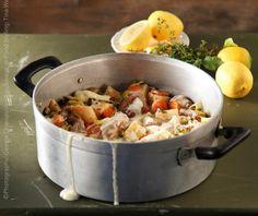 Χοιρινό με σελινόριζα αυγολέμονο   Συνταγή   Argiro.gr - Argiro Barbarigou Meat Recipes, Healthy Recipes, Healthy Meals, Good Food, Pork, Interesting Recipes, Kitchen, Drink, Cucina