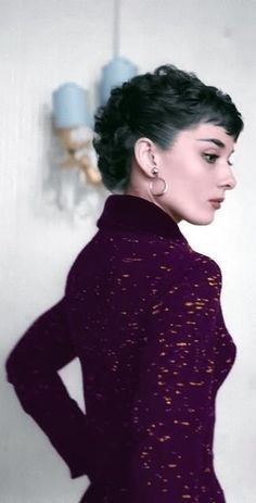 Love this beautiful photo of Audrey Hepburn