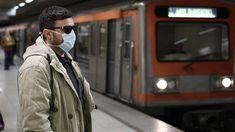 Κορωνοϊός: Πώς θα καταλάβετε αν έχετε αλλεργία, γρίπη ή τον ιό - CNN.gr Raincoat, Jackets, Fashion, Rain Jacket, Down Jackets, Moda, Fashion Styles, Jacket