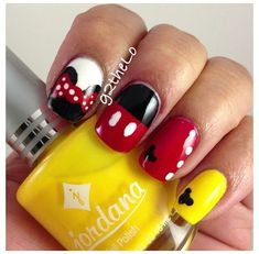 Mickey / Minnie Mouse Nails partagé par Marine sur We Heart It - Fun nails Minnie Mouse Nails, Mickey Mouse Nails, Disney Nail Designs, Cute Nail Designs, Red Nails, Hair And Nails, Cute Nails, Pretty Nails, Nails Inspiration