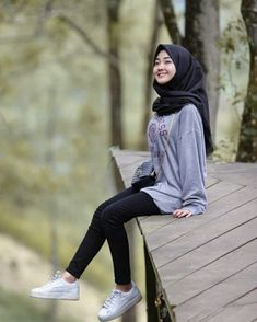 Sorry ane gampang capek say 😂 . Kids Outfits Girls, Girl Outfits, Fashion Outfits, Womens Fashion, Casual Hijab Outfit, Hijab Chic, Hijabi Girl, Girl Hijab, Muslim Fashion