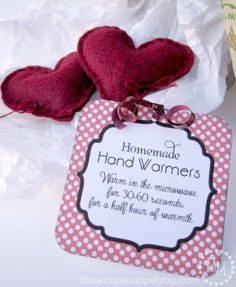 The Scrap Shoppe: {Workshop Wednesday} Homemade Hand Warmers .perfect for visiting teaching gifts! Homemade Christmas, Diy Christmas Gifts, Holiday Crafts, Fun Crafts, Creative Christmas Presents, Christmas Bells, Christmas 2014, Craft Gifts, Diy Gifts