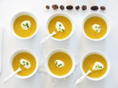 Hot carot soup w ginger Pesto, Panna Cotta, Breakfast, Hot, Ethnic Recipes, Desserts, Yum Yum, Breakfast Cafe, Dessert