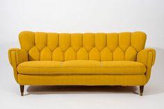 Gewleldige kleur, geweldig model. Op zoek naar een zetel: onze favorieten / www.woonblog.be