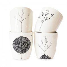 Level: easy // Handbemalte Becher - zauberhaft und 25 weitere Ideen // Gesehen bei: http://yesmissy.com/diy-sharpie-crafts-creations/