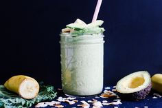 Smoothie mit Wirsing und Avocado