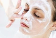 DIY Face Masks : homemade mask for rosacea with olive oil camomile tea and oatmeal Best Acne Treatment, Spa Treatments, Rosacea Remedies, Pimples, Peeling Maske, Best Peel Off Mask, Homemade Moisturizer, Skin Care, Natural Treatments