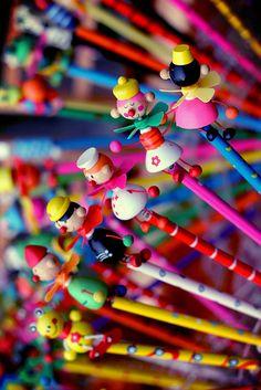 Rainbow of colored pencils Happy Colors, True Colors, All The Colors, Vibrant Colors, Taste The Rainbow, Over The Rainbow, World Of Color, Color Of Life, Image Crayon