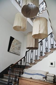 DIY rustic linen lampshades by Oggetti in Italy/biri rustik mi demişti? Italian Interior Design, Modern Interior, Linen Lamp Shades, Fabric Shades, Home And Deco, Lampshades, Diy Lampshade, Home Design, Light Fixtures
