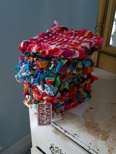 Love these potholders made out of t-shirts!