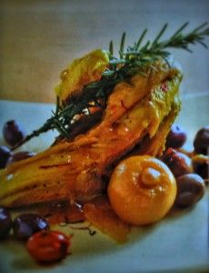 Ricetta tradizionale marocchina per un ottimo tajine al pollo, olive, finocchi e limone.