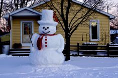 The Real Frosty le bonhomme de neige? I Love Snow, I Love Winter, Winter Fun, Winter Time, Snow Sculptures, Build A Snowman, Snowman Pics, Snow Art, Frosty The Snowmen