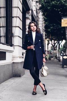 SOPHISTICATED-CHIC & STYLISH WOMENS OUTFIT INSPIRATION | 100 + Fashionable Outfit Inspiration & Ideas. Follow us for more fashion outfits & other fashion Inspiration | Vienné & Ventura