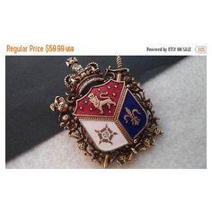 On Sale Vintage Crown Crest Lion Shield Coat Of Arms Brooch, Fluer de... ($45) ❤ liked on Polyvore featuring jewelry, brooches, gold brooch, vintage gold brooch, gold crown, vintage crown brooch and vintage crown