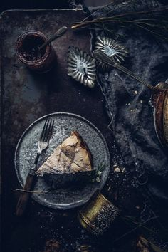winter-nordic-cake-with-a-rhubarb-black-current-rose-jam-photography-styling-by-christiannkoepke-com-21