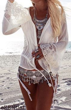 If you really also long being a hippies divine feminine, make sure you know all the regulations and magnificence details on how to wear the boho-chic styles trend! Hippie Style, Mode Hippie, Hippie Look, Look Boho, Gypsy Style, Boho Gypsy, Bohemian Style, My Style, Hippie Bohemian