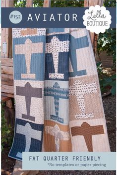"""Aviator Quilt"" made by Vanessa Goertzen of Lella Boutique . Vanessa has a pattern for this quilt. She says there is no paper-piecing . Patchwork Quilting, Quilting Tips, Quilting Projects, Sewing Projects, Applique Quilts, Patchwork Ideas, Quilting Tutorials, Sewing Ideas, Paper Piecing"