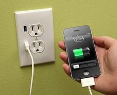 usb wall outlet... why aren't these EVERYWHERE?!?!