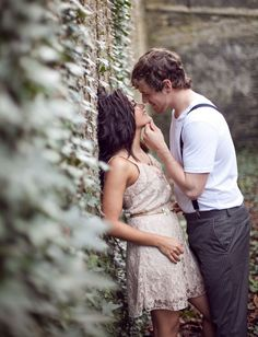 Love this engagement photo pose! So romantic! Photo by @kristenbooth