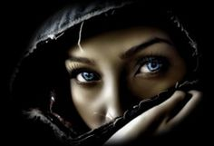 Beautiful colorful pictures and Gifs: Azul (Blue) Beautiful Eyes, Most Beautiful, Amazing Eyes, Beautiful Women, Beautiful Hijab, Beautiful Things, Beautiful People, Blue Photography, Photography Women
