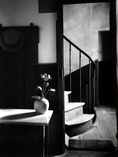 ANDRÉ KERTESZ  Chez Mondrian, 1926