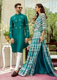 Pakistani Wedding Outfits, Pakistani Dresses, Indian Dresses, Indian Outfits, Indian Designer Outfits, Designer Wedding Dresses, Bridal Dresses, Heavy Dresses, Nice Dresses
