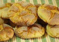 Broa de milho de padaria - Pense numa broa de milho quentinha, uma passadinha de manteiga derretendo e um cafezinho. Humm... bora fazer a receita!...