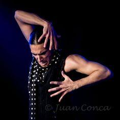 Flamenco Por tangos  SABATO 27 febbraio Ore 14.45 (durata 90 minuti) Laboratorio POR TANGOS 1 con Amador Rojas (principianti alto/intermedio basico) Ore 18.15 (durata 90 minuti) Laboratorio POR TANGOS 2 con Amador Rojas  (intermedio/avanzato) Chi acquista almeno uno dei Laboratori citati ha diritto a partecipare alla Lezione di Compas por tangos y bulerias con Pilar Carmona, Sabato 27 febbraio ore 11.45 (durata 45 minuti).
