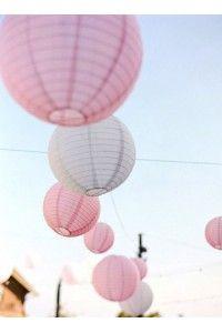 boules-de-papiers-la-deco-mariage-Candy-Bar-Verrerie-Rubans-Centres-de-table-Nappages-Lanternes-Flottants-Volantes- - Accessoires du Mariage