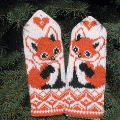 Lots of mittens Crochet Mittens, Mittens Pattern, Crochet Gloves, Knitted Hats, Knit Crochet, Knitting Charts, Knitting Socks, Knitting Stitches, Baby Knitting