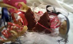 Basler Brünsli Chocolate Fondue, Table, Desserts, Food, Powdered Sugar, Tailgate Desserts, Dessert, Postres, Deserts