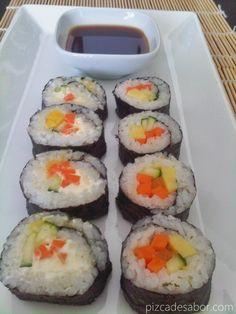 Sushi vegetariano de mango, pepino y zanahoria - www.pizcadesabor.com