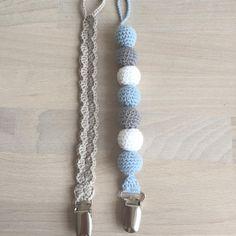 """187 synes godt om, 23 kommentarer – @mormorshaekleliv på Instagram: """"Et par suttekæder til en lille dreng💙 #hækle #hæklet #hækling #crochet #crocheting #crochetaddict…"""""""