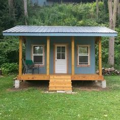 Building A Shed 504684701991628823 - Printable plans and a materials list show you how to build a shed that's dollar-savvy and full of storage. Keep reading to learn more. Source by duygugokmen Cheap Storage Sheds, Storage Shed Organization, Cheap Sheds, Storage Beds, Small Storage, Wood Shed Plans, Diy Shed Plans, Storage Shed Plans, Small Shed Plans