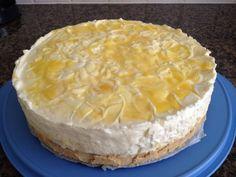 lemoncurd cheesecake... alsof er een engeltje over je tong pist!  Voor de recepten, zoek mij op, op facebook Anns passie voor koken