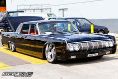 Cool Lowrider Cars | Very clean Lincoln Continental.