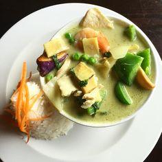 Thai food heaven. #greencurry