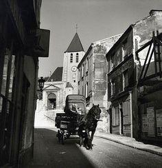 La rue Saint-Blaise et l'église Saint-Germain de Charonne, vers 1940