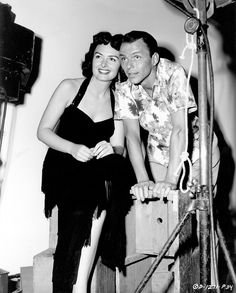 Costars Donna Reed and Frank Sinatra in promotional photos for From Here to Eternity Golden Age Of Hollywood, Old Hollywood, Frank Sinatra Movies, From Here To Eternity, Donna Reed, Music Happy, Movie Couples, Dean Martin, Old Movies