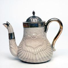 Teapot Staffordshire England 1735-1745