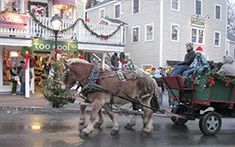 Sleigh rides in Kennebunkport Maine for NYE http://www.visitmaine.net/maine_blog/new-years-in-maine-clam-drops-lobster-dips-and-fireworks/