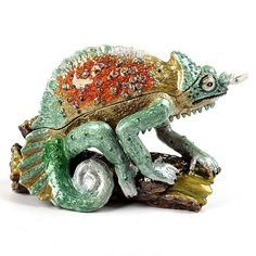 """""""Green #Chameleon Trinket Box Item No. KB00494A01 $29.39 This Chameleon sitting on a branch trinket box is hand painted and glazed with pearlized enamel. It is accented with hand-set sparkly Austrian crystals. Decorative and useful, this holds miniature keepsakes such as rings, earrings and small jewelry."""" Red Robin Bird, Red Hat Society, Fancy Shoes, Jewel Box, Red Hats, Austrian Crystal, Chameleon, Keepsake Boxes, Trinket Boxes"""